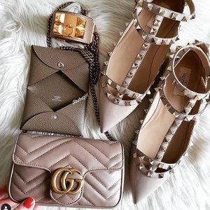 低于7折 好看又好穿Valentino 又酷又性感的包包、鞋、丝巾大促