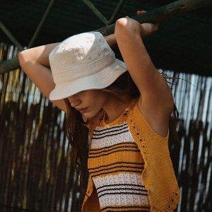 低至3折+降价 刺绣渔夫帽$48Sandro 法式美衣专场 周也同款花呢裙$118,经典开衫$178