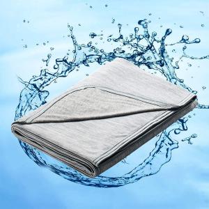 8折起 £9.9入冰枕垫Amazon 精选夏季降温冰毯、冰垫 透气柔软 还你凉爽夏夜