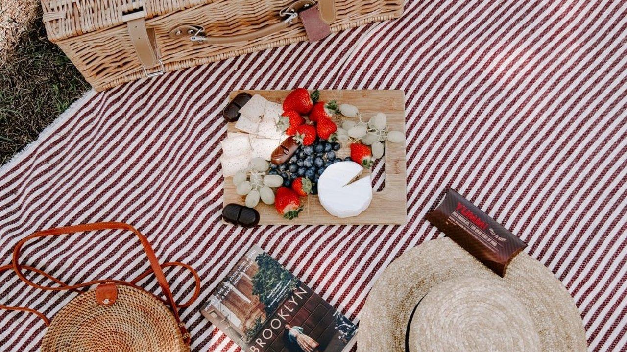 法国野餐大科普 | 如何野餐、需要购买的物品、可以野餐的食物等