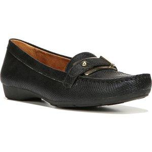 Naturalizer豆豆鞋