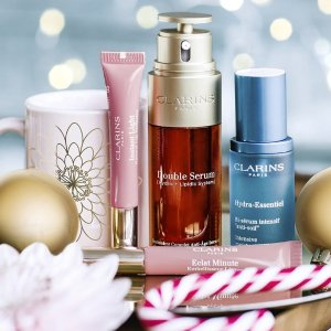 Chinese New Year Dealmoon Exclusive!Free 10-Piece Gift With $150 Purchase @ Clarins