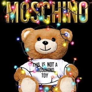 2折起+额外75折 £50收Logo短袖Moschino 惊现折上折 新款魔术熊罕见码齐