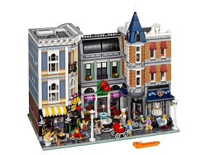 Assembly Square - 10255   Creator Expert   LEGO Shop