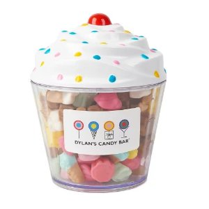 DYLAN'S CANDY BAR CUPCAKE FILLED WITH GUMMY ICE CREAM & CUPCAKE MIX