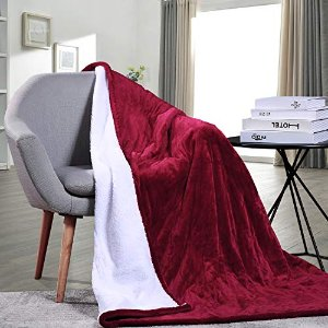 "Amazon.com: Electric Blanket Heated Throw Blanket Fast Heating Soft Flannel & Sherpa with 3 Heating Levels 4 Hours Auto Off Machine Washable Home Office Bed Sofa Use 50""x 60"", Red-White: Home & Kitchen"