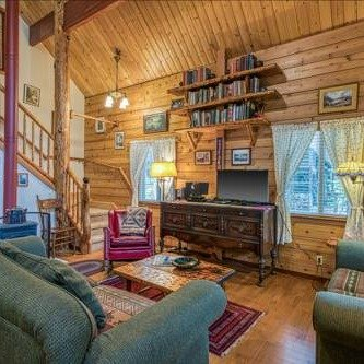 Charming Log Cabin at Al Tahoe, 3间房,南太浩湖
