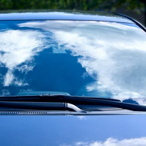还你如丝般顺滑的挡风玻璃《汽车频道汽修部》自己动手修复挡风玻璃