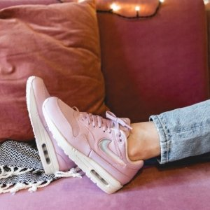 $120入封面AirMax1+包邮新品上市:Nike官网 新款运动鞋履、NSW运动服饰等登陆