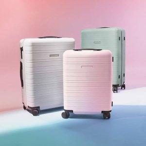 低至5折 €200收樱花粉行李箱Horizn Studios 德国高颜值智能行李箱 可定位防丢失 手机可充电