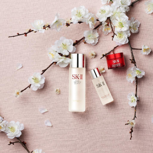 Get a SK-II Facial Treatment Essence trail sizeWith $25 purchase @ Sephora.com