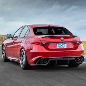 省出一只爱马仕铂金包Alfa Romeo Giulia 意大利豪华运动轿车新车优惠