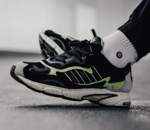 黄金码直邮好价¥315(国内¥889)Adidas originals Temper Run 绿黑拼色复古运动鞋