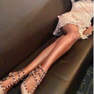 低至5折 铆钉鞋£343起Valentino 精选美包美鞋等热卖 宣仪小姐姐也爱