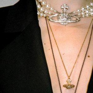 定价优势+新款上新上新:Vivienne Westwood 小土星系列上新 珍珠小土星耳饰$260