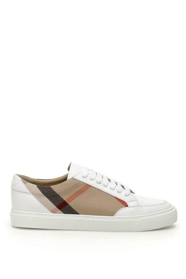格纹平底鞋
