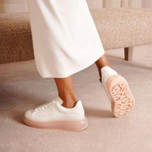 低至4折 封面款果冻底$658Alexander McQueen 大促惊喜价 粉色闪尾小白鞋$444