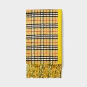 Burberry格纹羊绒围巾