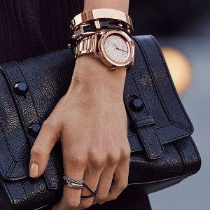 $134.87(专柜售价$260)Michael Kors 迷你细腕带金色手表,自留送人都合适哦