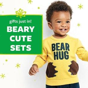 封面熊抱卫衣裤套装$9.99上新:Carter's童装官网 清仓区低至2.1折+最后一天满$25送$10