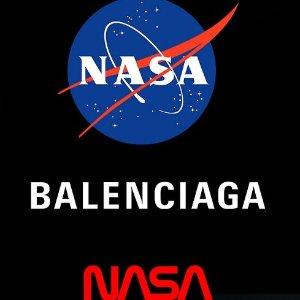 $565收棒球帽上新:Balenciaga x NASA 合作系列发售 登月宇航服灵感
