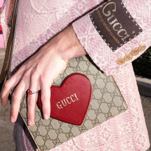 3.5折起! MCM love letter钱包$119Jomashop 精选钱包大促 收Gucci、巴宝莉 Coach经典卡包$38