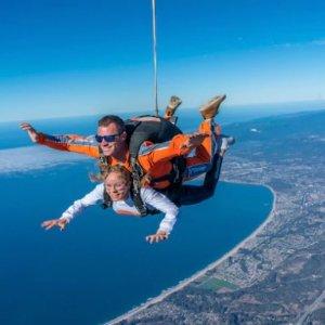 $149/人 俯瞰一号公路海岸线加州一号公路圣塔克鲁兹 海滨高空跳伞