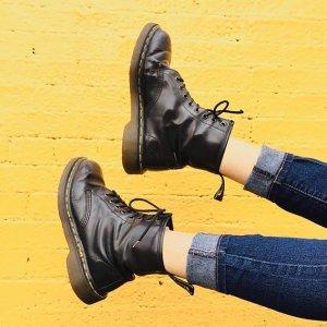 低至4折Dr.Martens英国官网 新年促销第一弹 精选马丁靴、剑桥包收收收