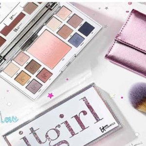 $50(value$210)+Free BalmYOUR PERFECT IT GIRL GIFT SET@IT cosmetics