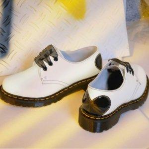 Dr Martens6.8折,黑白2色可选!爱心尾+丝带 1461小皮鞋