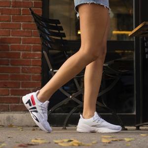 运动鞋6折 服饰5折FILA 潮衣潮鞋热卖 收logo卫衣、老爹鞋