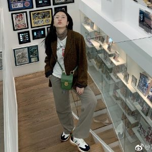周雨彤同款拼色运动鞋
