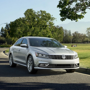 低调有内涵 稳重且温柔全新 2018 Volkswagen Passat 四门轿车