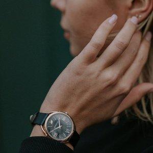 全场8折!封面款£207!Swarovski 官网 天鹅Logo、方形表盘水晶手表璀璨热卖