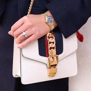 全场8.5折 MoschinoT$181Yoox 春节闪促 Gucci、MiuMiu、Prada等你收
