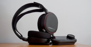 SteelSeries Arctis Pro 无线耳机