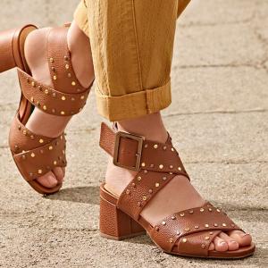 线上折扣+额外7折Clarks 全场凉鞋闪促 收优雅小高跟、慵懒凉鞋