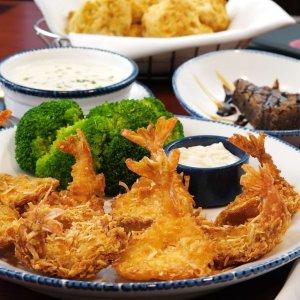 $26.99起 + 免送餐费Red Lobster 推出家庭套餐 可供4人共享