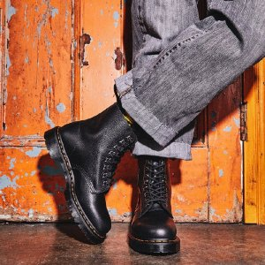 All 40% OffDr. Martens Select Styles