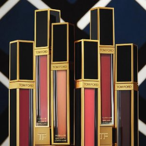 £38抢先收 成膜超快不粘头发上新:Tom Ford 最新 Gloss Luxe 唇釉英国上市 嘴巴嘟嘟玻璃唇