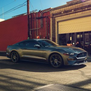 Pony Car Returns with A Fresh Look2018 Ford Mustang