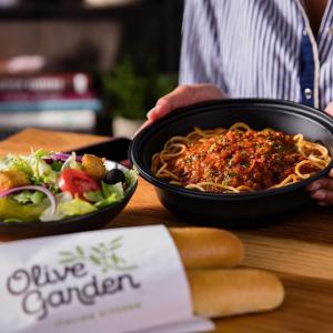主餐买1送1 $12.99起Olive Garden 全美店内就餐暂停,开启外卖、自取服务
