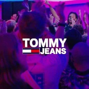 无门槛7折 £28收Coca-Cola 上衣Tommy Jeans 精选季中大促 风靡全球美式休闲品牌
