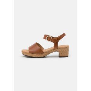Gabor棕色凉鞋
