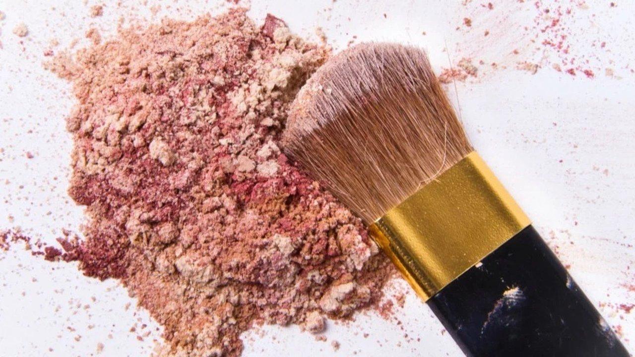 走进科学   破损彩妆怎么复活了?