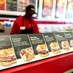 免费得一个中号三明治Firehouse Subs 到店点餐优惠券 买任意潜艇三明治套餐