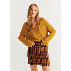 Mango姜黄色v领毛衣