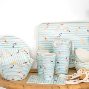 $1.99(原价$7.95)凑单必备Linen Chest 夏日清新蓝色条纹 小餐垫  创意泳池系列