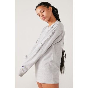04d0a2049b3 Urban Outfitters Champion   UO Reverse Weave Hoodie Sweatshirt. Urban  OutfittersChampion   UO Reflective Long Sleeve Tee