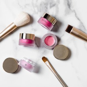 Last Day: $39 for Makeup Brush Set @ Eve By Eves